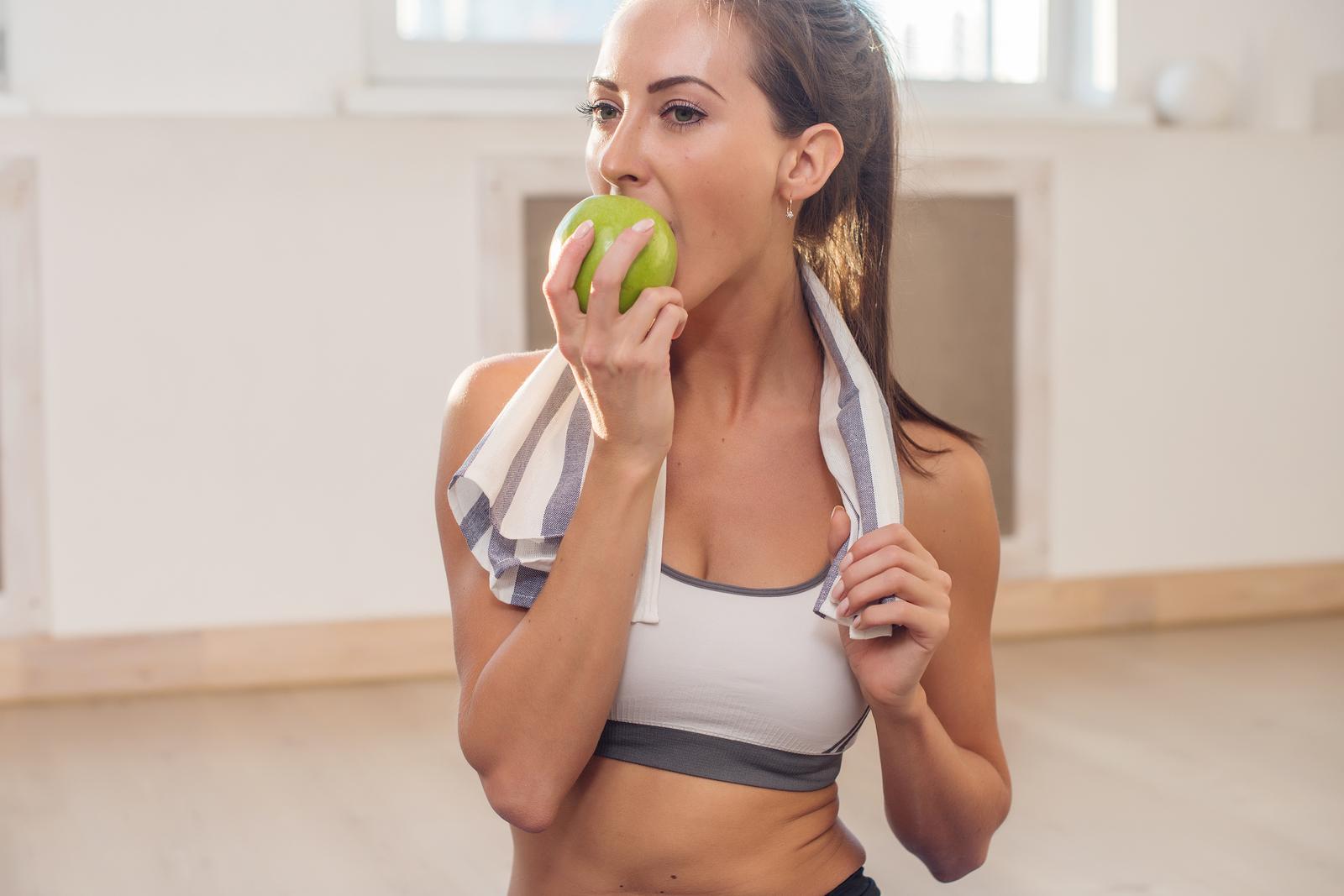 okno anaboliczne co jeść po treningu posiłek potreningowy