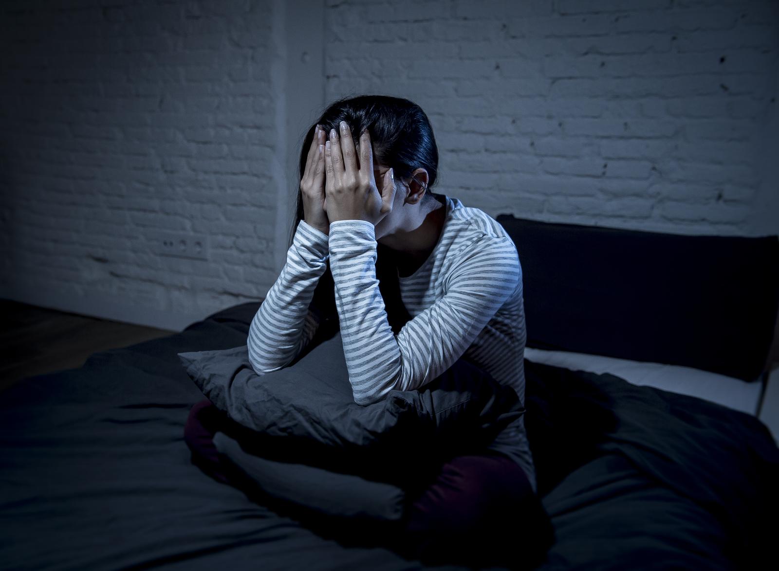 problemy ze snem bezsenność nadmierna senność dieta na sen zioła na sen