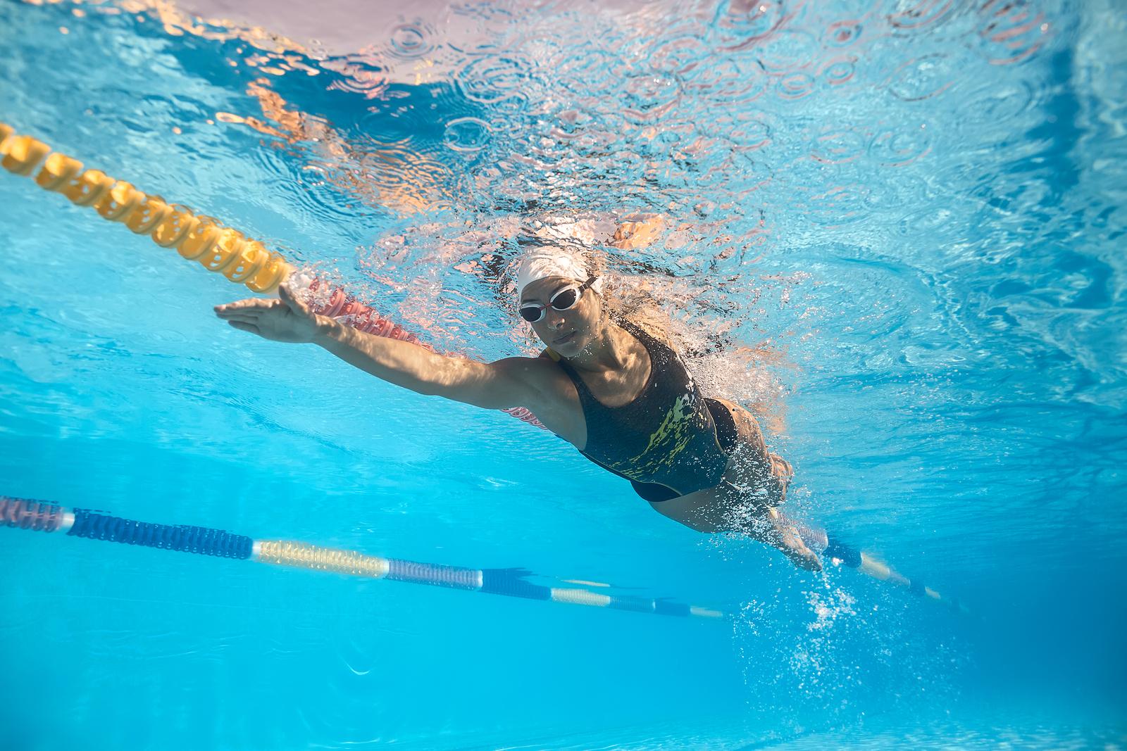 nauka pływania jak nauczyć się pływać