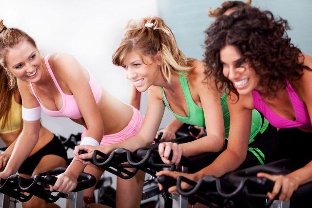 jazda na rowerze stacjonarnym efekty spinningu