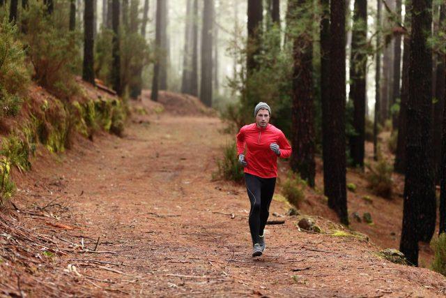 Kiedy biegać rano czy wieczorem aby schudnąć
